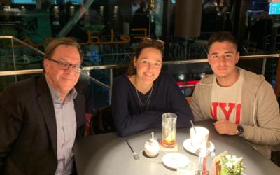 Tona, Besnik und Markus im Cafe